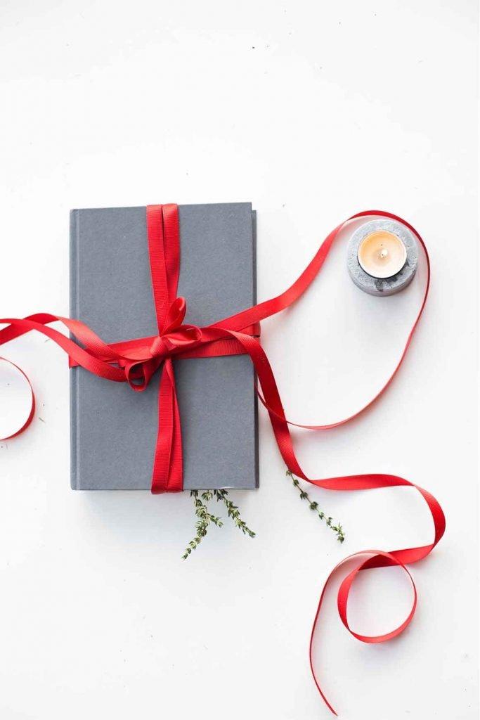 rezeem-blog-valentines-day-gift-books