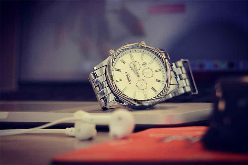 rezeem-blog-valentines-day-gift-watch